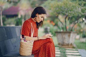 Comment revenir après une discussion par SMS?